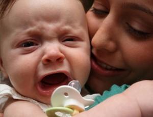 Trẻ khóc đêm