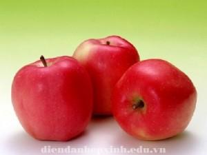 Vì sao nên ăn táo mỗi ngày ?