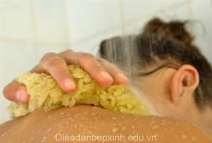 Vì sao nên tắm thường xuyên