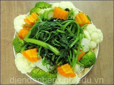 cach-luoc-rau-khong-mat-vitamin